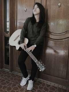 Guitar w/ bag