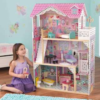 Anabelle Doll house