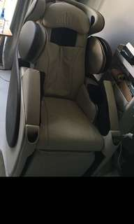 Osim UDivine massage chair selling cheap