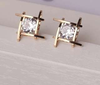 Elegant And Charming Gold Crystal Earring