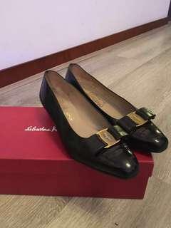 Ferragamo vintage Vera shoes