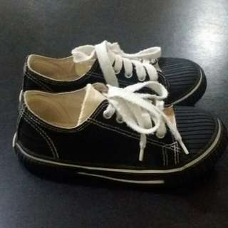 👉Repriced 4-5 y.o EVANS shoes