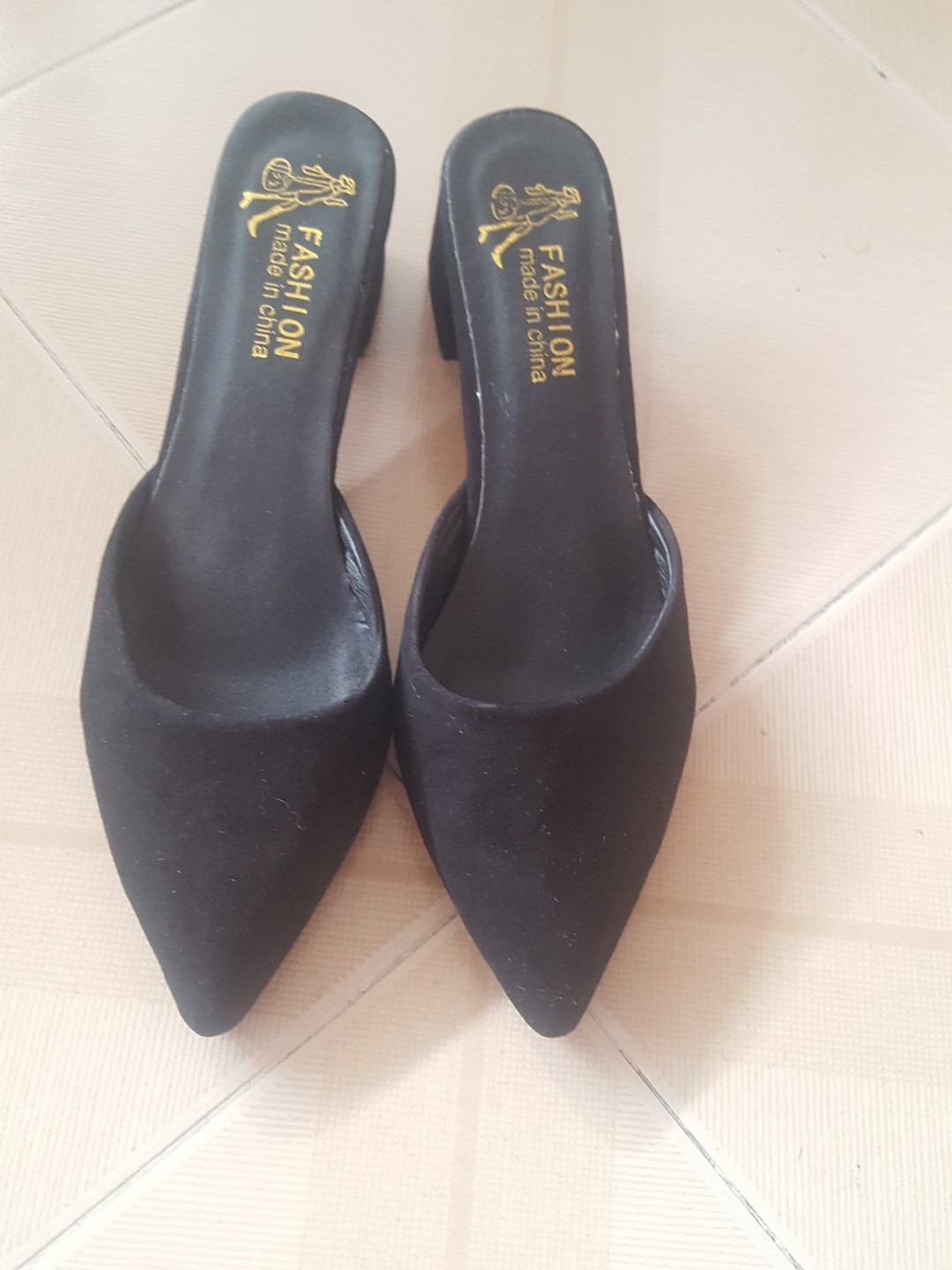 Black Heels - Slip on(Velvet)