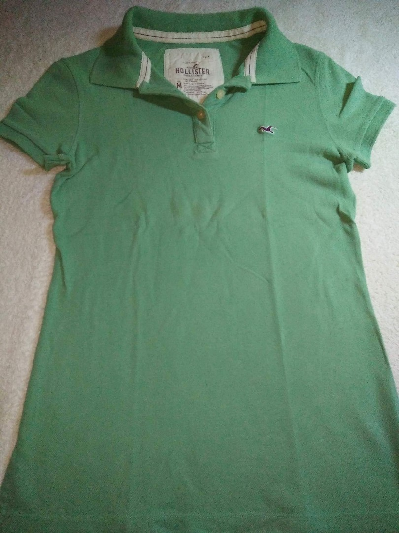 dedbbf561 Hollister polo shirt, Preloved Women's Fashion, Clothes on Carousell