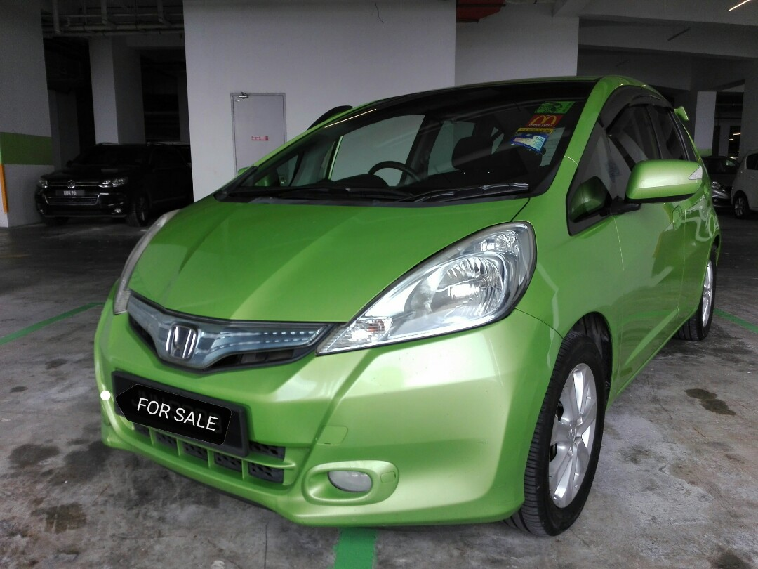 Honda Jazz Hybrid 13 Cbu Japan Cars Cars For Sale On Carousell