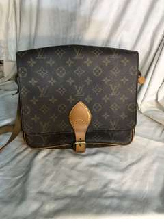 lv cartouchiere mm size