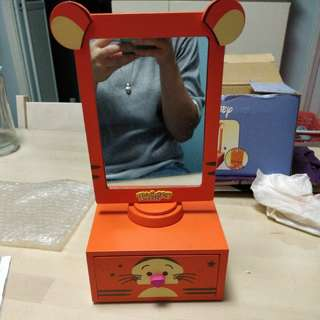 跳跳虎鏡櫃Tigger wooden mirror with drawer