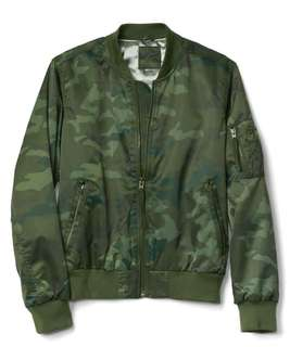 Restock!!! GAP Camo Water Resistant Jacket