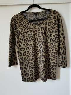 Dynamite leopord shirt