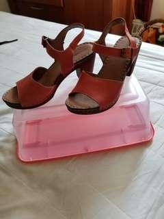 Town shoes sandals size 37