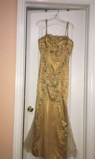 Gold sleeveless dress