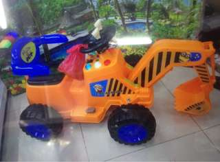 Excavator Rechargeable Ride On Truck