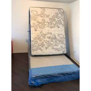 Queen Mattress with Bed Box for sale!!!