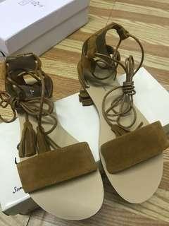 🚚 ZALORA 綁帶羅馬涼鞋
