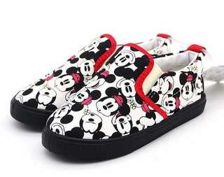 🚚 米奇幼童鞋(買太大⋯殘念)鞋底軟Q