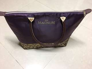 Magnum limited edition cooler bag