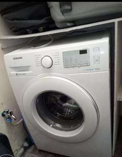 7.5kg  automatic washing machine.