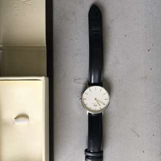 Genuine black leather Daniel Wellington, hardly worn, 1 year old