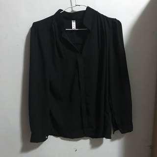 🚚 造型無鈕扣黑襯衫(肩膀設計款)