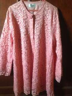 Brukat warna pink