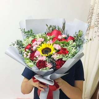 XL Bouquet in Roses and Sunflower / Proposal Bouquet / Anniversary Bouquet