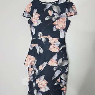 Floral Body con Dress W Sleeve