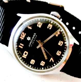 50/60年代 德國名牌 Junghans Military Mechanical Manual Wind Wristwatch 機械上鍊 軍用型 腕錶:罕有100% Original 原裝超靚錶面及錶殼(直徑Diameter 33.5mm),運作正常。