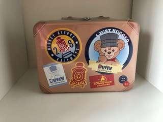 🚚 上海達菲巧克力餅乾行李箱