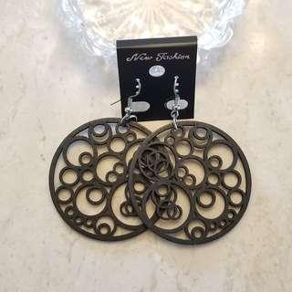 木製黑色圓形耳環