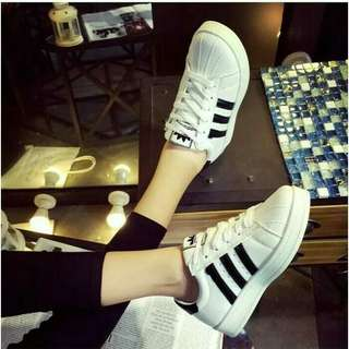 Sepatu wanita sneakers adds