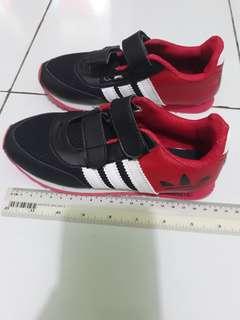 Children's  shoes  Adidas. Size  31....19,5.