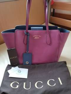 Gucci swing tote bag