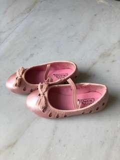 Bubble gum pink ballerinas