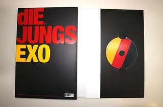 EXO Die Jungs photobook (with disc inside)(EXO-M) / EXO Die Jungs 寫真書 (包括光碟)