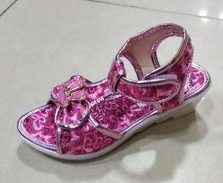 Sepatu anak wedges