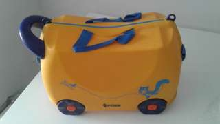 brand new! chirpy ride-on luggage aka trunki for kids