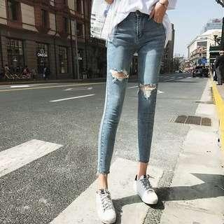 (L~4XL) Summer women's Korean version of the fashion stretch slim hole jeans