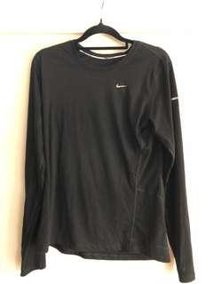 Nike dry tech top size M