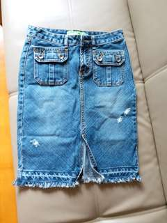 jeans skirt .size: s