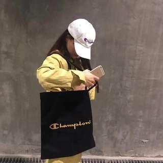 日版 Champion 雜誌附錄 黑色帆布 金字LOGO 側咩袋
