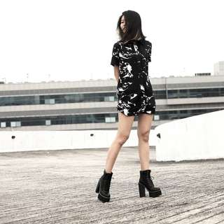 YHF The shirt dress in black marble