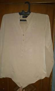 The excecutive blouse cream