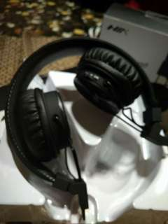 NIA Bluetooth X3 headphone