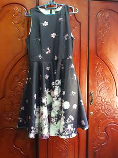 Doublewoot Dress (navy blue + pink white flower) XL