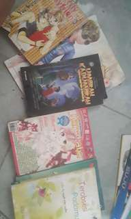 2 komik, 2 novel, 2 cerpen horror, 1 cd game ayodance