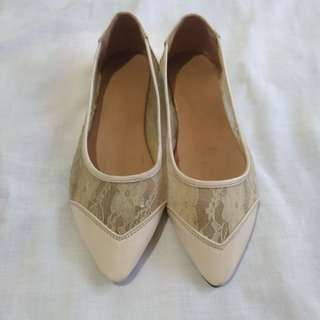 Cream Lace Flats