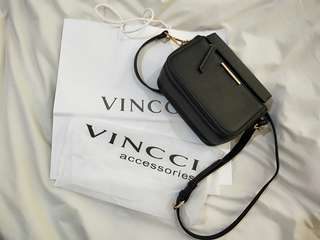 Original Vinnci accessoriee black premium sling bag