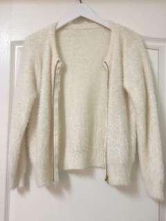 🚚 正韓🇰🇷海馬毛針織米白外套🧥