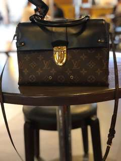 Lv one flap handle