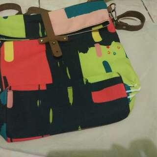 Tas canvas slin bag